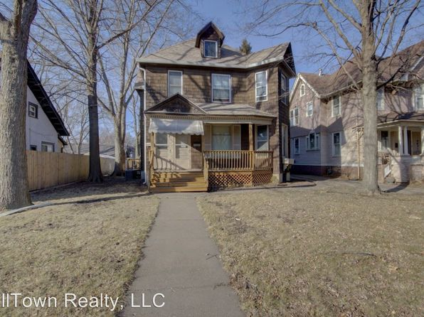 townhomes for rent in davenport ia 15 rentals zillow. Black Bedroom Furniture Sets. Home Design Ideas