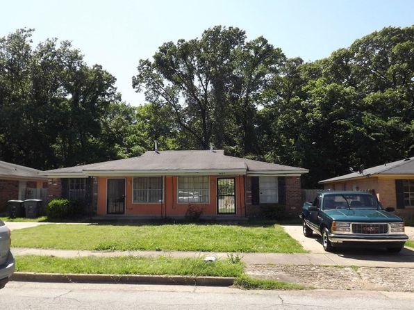 Parkway Village Oakhaven Real Estate
