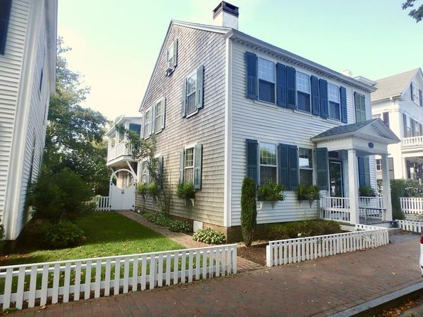 Awe Inspiring Edgartown Real Estate Edgartown Ma Homes For Sale Zillow Interior Design Ideas Gentotryabchikinfo