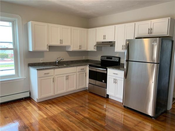 Awe Inspiring Apartments For Rent In Pawtucket Ri Zillow Beutiful Home Inspiration Aditmahrainfo