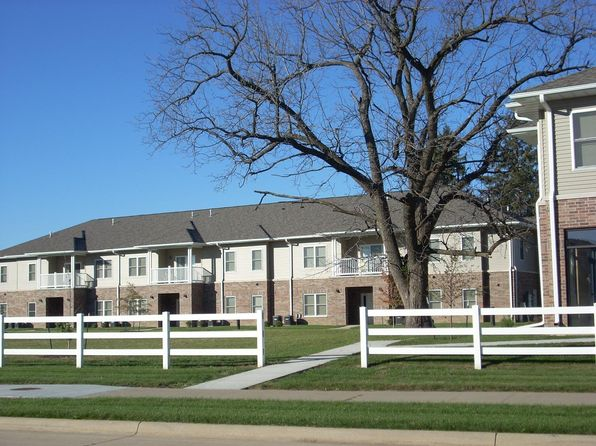 Apartments for rent in iowa city ia zillow for Iowa city one bedroom apartments