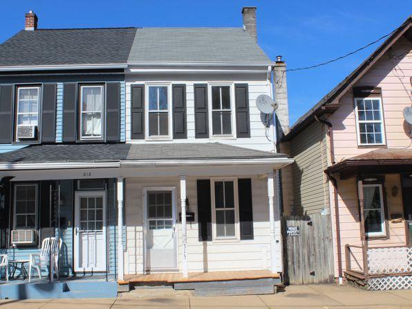 317 S Charlotte St, Manheim, PA 17545