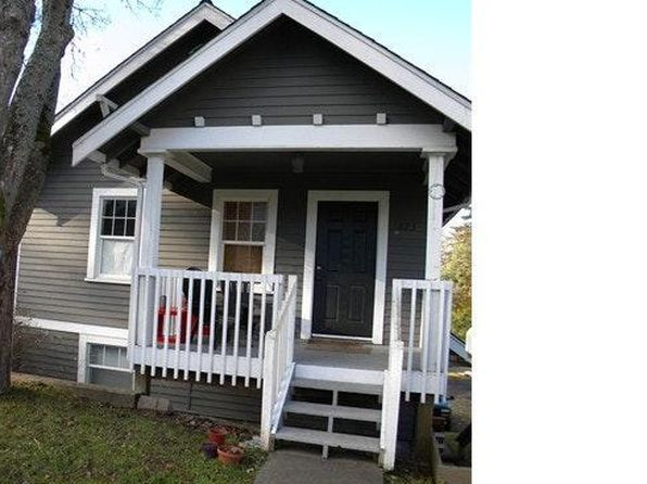 They Helped Make History At 1709 Monroe >> 1709 Monroe St Bellingham Wa 98225 Zillow