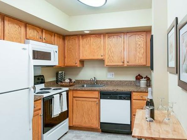 West Goshen West Chester Pet Friendly Apartments Amp Houses For - Racquet club apartments west chester pa