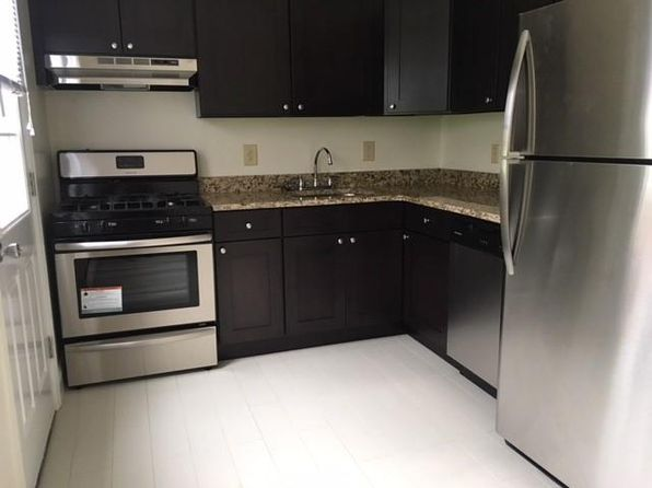 East Brunswick Nj Pet Friendly Apartments Houses For Rent 12 Rentals Zillow