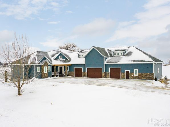 Photos of 6200 Misty Waters Dr, Bismarck, ND 58503