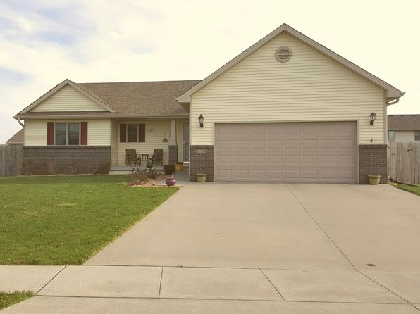 4 bed 3 bath Single Family at 1005 13th St SE Bondurant, IA, 50035 is for sale at 265k - 1 of 32