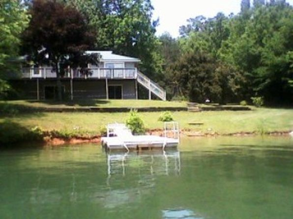 2 bed 2 bath Single Family at 556 Sequoia Dr Hiawassee, GA, 30546 is for sale at 465k - 1 of 17