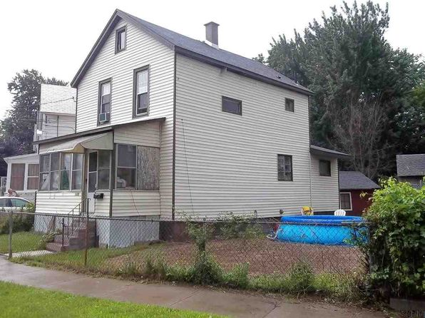 2 bed 1 bath Single Family at 1680 Lake Blvd Schenectady, NY, 12304 is for sale at 70k - 1 of 26