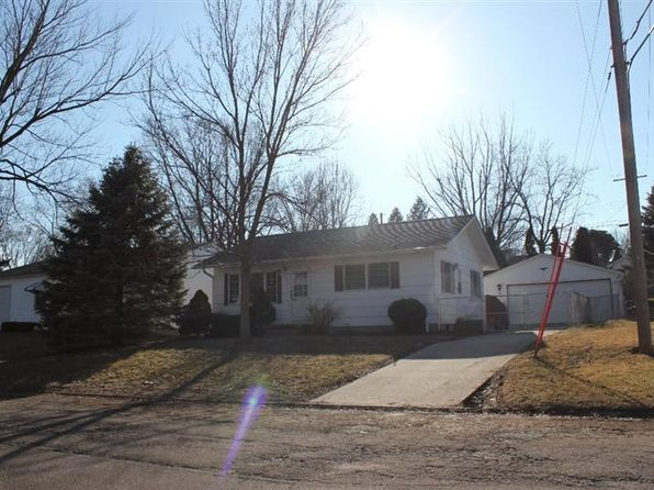 2 bed 2 bath Single Family at 506 N 12th St Clinton, IA, 52732 is for sale at 85k - 1 of 37
