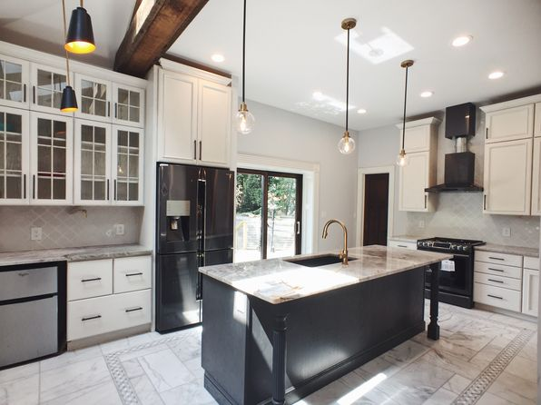 Newport Real Estate - Newport KY Homes For Sale | Zillow on modern colonial kitchen design, houzz kitchen design, colonial home kitchen design, craftsman home interior design, coffered ceiling kitchen design, craftsman home exterior design, craftsman home design ideas,