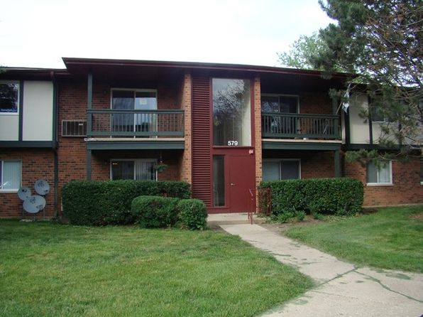 Apartments for rent in crystal lake il zillow for 3 bedroom apartments in lake county il