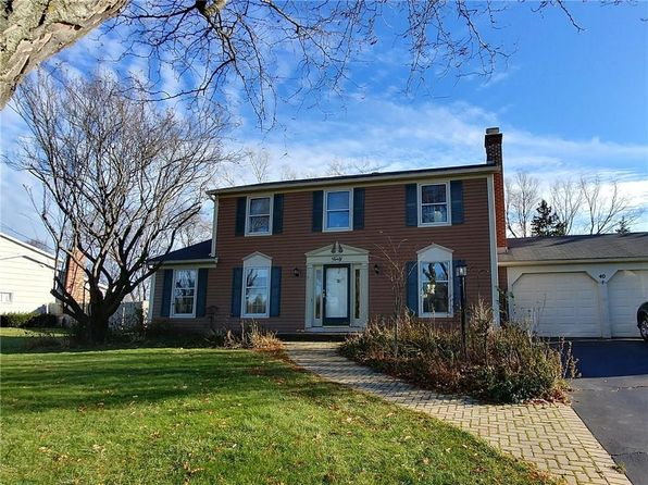 3 bed 3 bath Single Family at 40 Winding Brook Dr Fairport, NY, 14450 is for sale at 173k - google static map