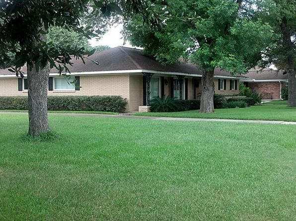 3 bed 2 bath Single Family at 4046 Falkirk Ln Houston, TX, 77025 is for sale at 400k - 1 of 8