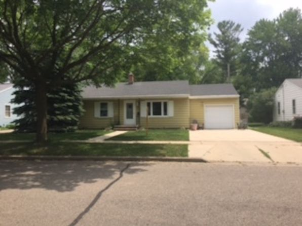 2 bed 1 bath Single Family at 1600 N Gillett St Appleton, WI, 54914 is for sale at 88k - google static map