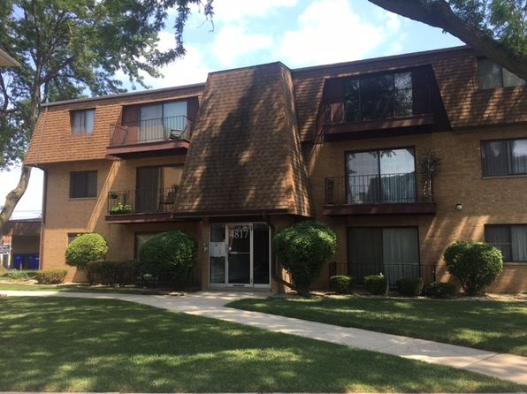 2 bed 1 bath Condo at 4817 W 109th St Oak Lawn, IL, 60453 is for sale at 85k - 1 of 4