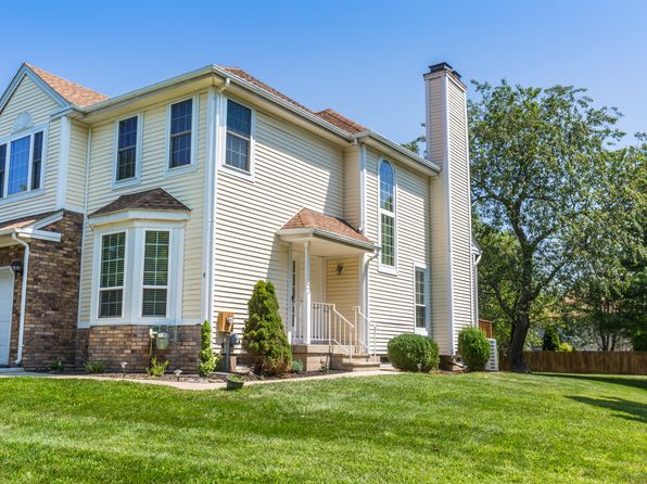 3 bed 3 bath Single Family at 8 Mohawk Trl Branchburg, NJ, 08876 is for sale at 390k - 1 of 26