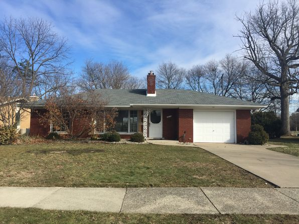 2 bed 1 bath Single Family at 26338 Woodworth Cir Dearborn Heights, MI, 48127 is for sale at 140k - 1 of 26