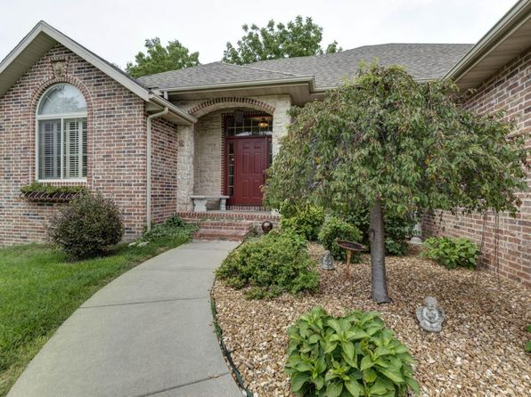 5 bed 3 bath Single Family at 3959 E Wilshire St Springfield, MO, 65809 is for sale at 350k - 1 of 31