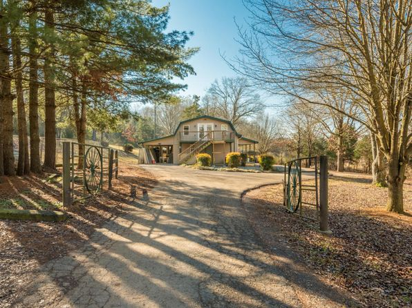 2 bed 2 bath Single Family at 347 Murrays Chapel Rd Sweetwater, TN, 37874 is for sale at 220k - 1 of 36