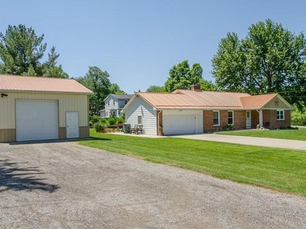 3 bed 2 bath Single Family at 1030 Freeway Cir Mansfield, OH, 44903 is for sale at 158k - 1 of 28