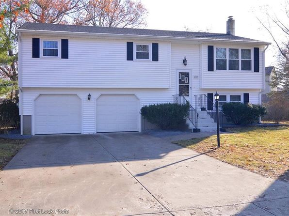 3 bed 2 bath Single Family at 2002 New London Tpke Coventry, RI, 02816 is for sale at 255k - 1 of 40