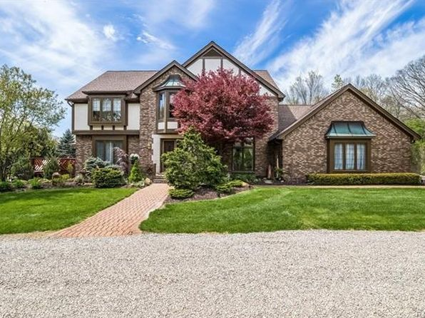 4 bed 3.5 bath Single Family at 700 Old Milford Farms Milford, MI, 48381 is for sale at 700k - 1 of 75