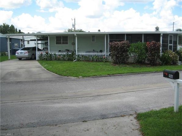 2 bed 2 bath Single Family at 200 Cobblestone Ln North Fort Myers, FL, 33917 is for sale at 85k - 1 of 2