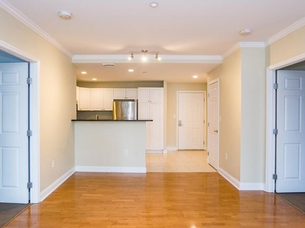 2 bed 2 bath Condo at 10 SEAPORT DR QUINCY, MA, 02171 is for sale at 489k - 1 of 21
