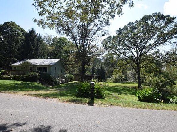 2 bed 1 bath Single Family at 34 EDGEWOOD DR ARDEN, NC, 28704 is for sale at 299k - 1 of 24