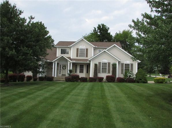 4 bed 3.5 bath Single Family at 961 Elmwood Dr Macedonia, OH, 44056 is for sale at 290k - 1 of 31