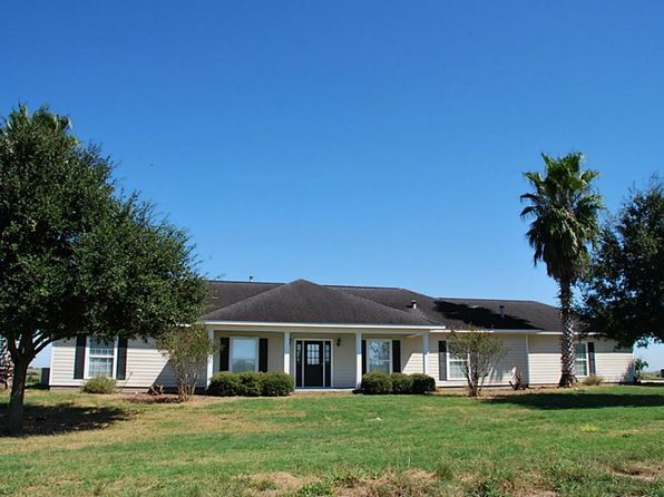 3 bed 3 bath Single Family at 3913 State Highway 95 N Moulton, TX, 77975 is for sale at 219k - 1 of 17