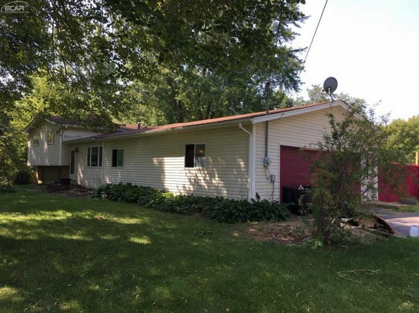 3 bed 1 bath Single Family at 9084 Mcwain Rd Grand Blanc, MI, 48439 is for sale at 129k - 1 of 27
