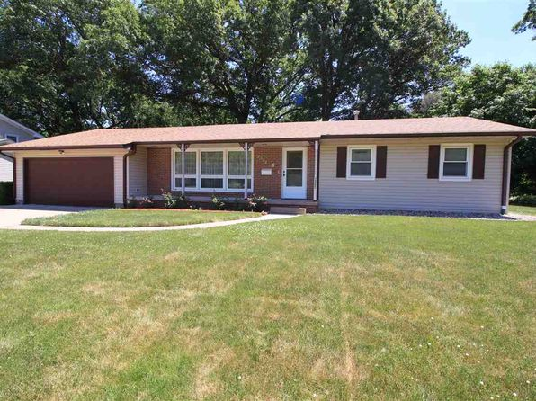 3 bed 3 bath Single Family at 2392 5th St East Moline, IL, 61244 is for sale at 147k - 1 of 20