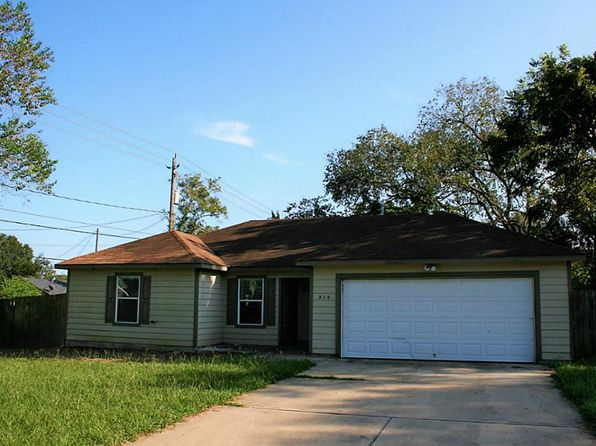 3 bed 2 bath Single Family at 210 N 3rd St Sealy, TX, 77474 is for sale at 138k - 1 of 9