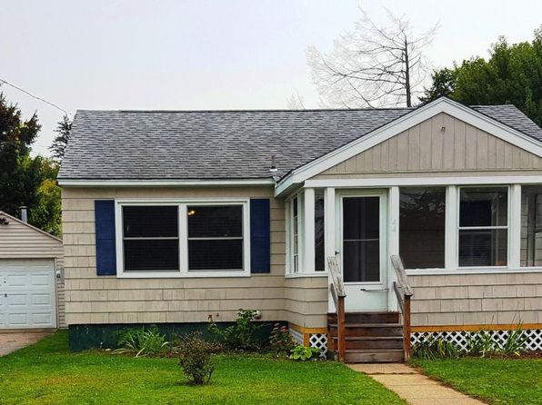 2 bed 1 bath Single Family at 44 Ontario St Pittsfield, MA, 01201 is for sale at 130k - 1 of 24