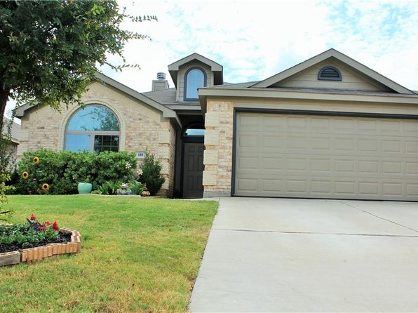 3 bed 2 bath Single Family at 110 Oregon Trl Waxahachie, TX, 75167 is for sale at 195k - 1 of 17