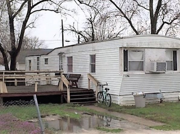 Mobile Homes For Sale Illinois on homes for rent illinois, luxury homes illinois, historic homes in illinois,