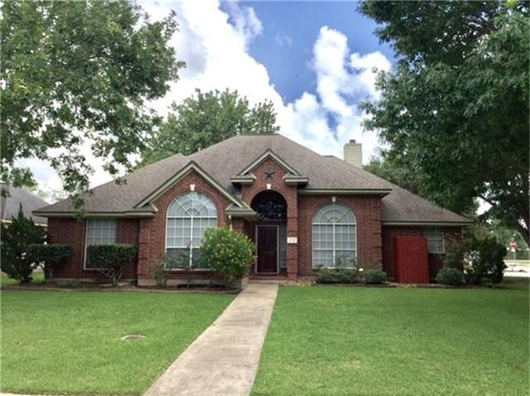 4 bed 3 bath Single Family at 102 Plum Cir Lake Jackson, TX, 77566 is for sale at 230k - 1 of 20