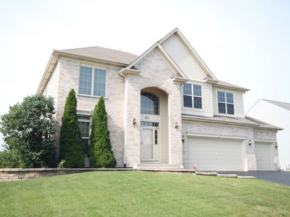 5 bed 3 bath Single Family at 2111 James Leigh Dr Aurora, IL, 60503 is for sale at 350k - 1 of 45