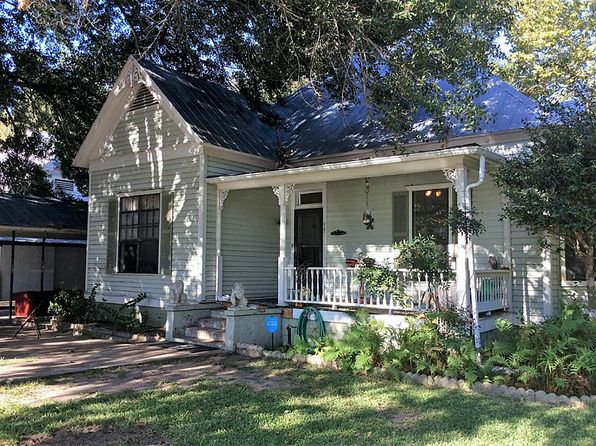 2 bed 2 bath Single Family at 407 Gresham St Smithville, TX, 78957 is for sale at 187k - 1 of 8