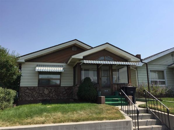 2 bed 1 bath Single Family at 2060 Roberts Ave Butte, MT, 59701 is for sale at 95k - google static map