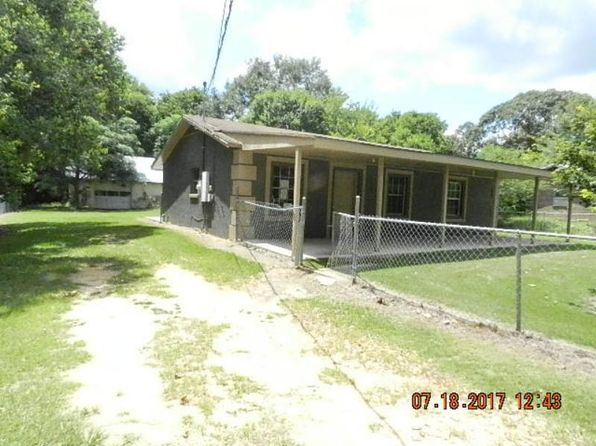 2 bed 1 bath Single Family at 137 Thompson Ave Tallassee, AL, 36078 is for sale at 18k - 1 of 8
