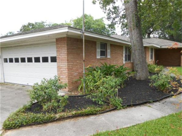 3 bed 2 bath Single Family at 113 Tanglewood St Baytown, TX, 77520 is for sale at 156k - 1 of 32