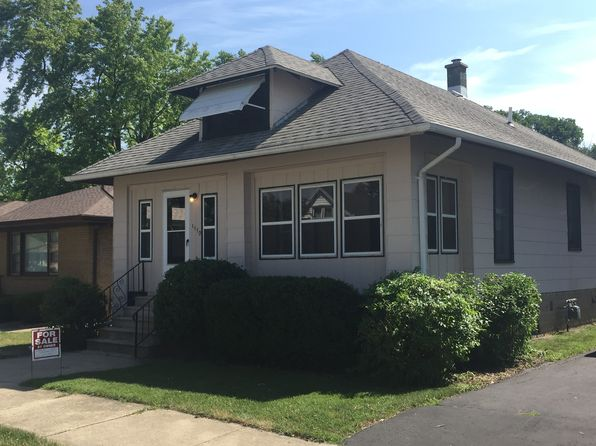 2 bed 1 bath Single Family at 1110 Wilcox St Joliet, IL, 60435 is for sale at 105k - 1 of 12