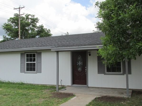3 bed 2 bath Single Family at 804 W 5th St Brady, TX, 76825 is for sale at 110k - 1 of 15
