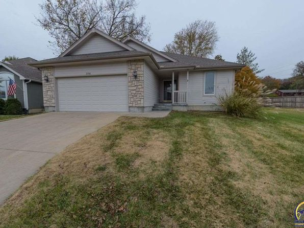 2 bed 2 bath Single Family at 3701 SW Brooklawn Ter Topeka, KS, 66610 is for sale at 180k - 1 of 11