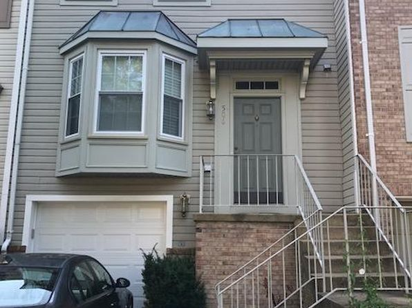 3 bed 3 bath Townhouse at 506 Herndon Woods Ct Herndon, VA, 20170 is for sale at 390k - 1 of 12