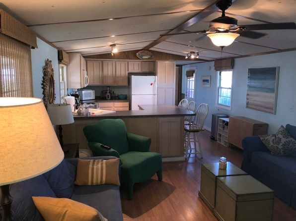 2 bed 2 bath Mobile / Manufactured at 1920 Salter Path Rd Atlantic Beach, NC, 28512 is for sale at 105k - 1 of 21
