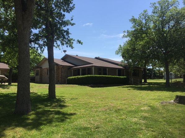 3 bed 3 bath Single Family at 105 Oak Haven Rd Fredericksburg, TX, 78624 is for sale at 430k - 1 of 12